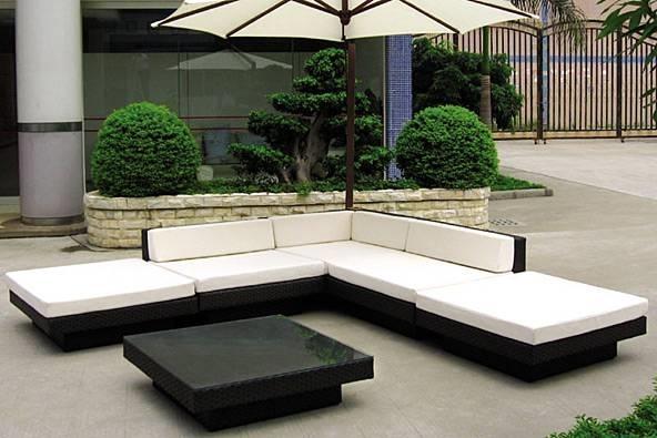 Arredamento giardino accessori da esterno for Arredamento da giardino