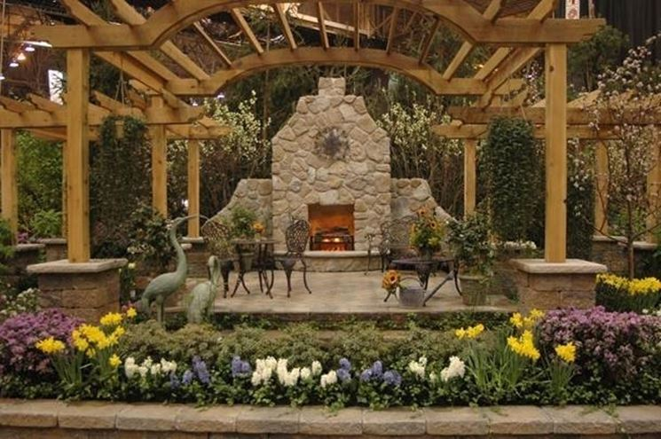 Arredi da giardino accessori da esterno for Arredi da giardino in legno