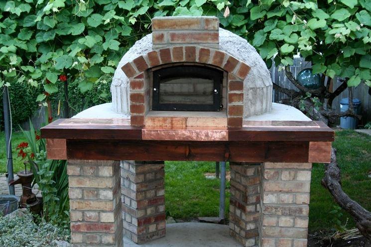 Esempio di forno a legna artigianale