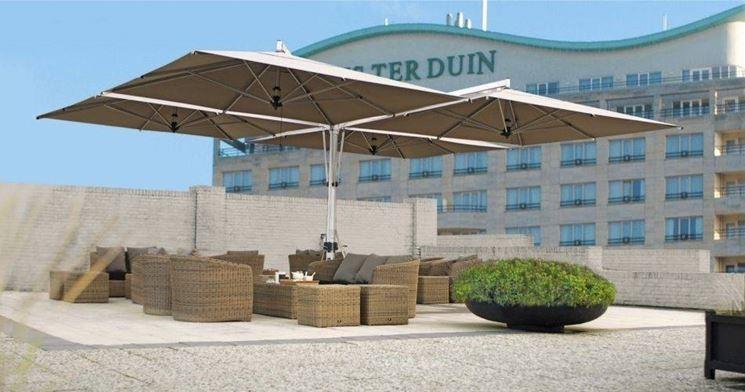 Gli ombrelloni da giardino idee per il design della casa - Ombrelloni giardino ikea ...