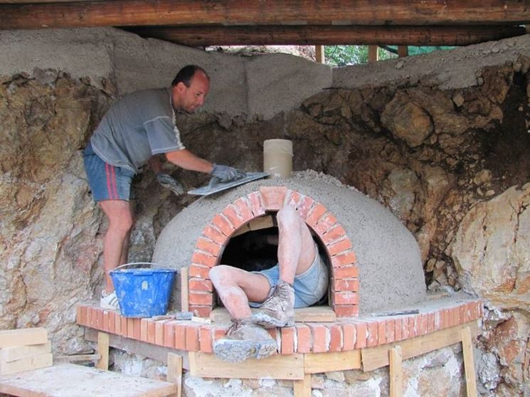 Forno a legna in argilla