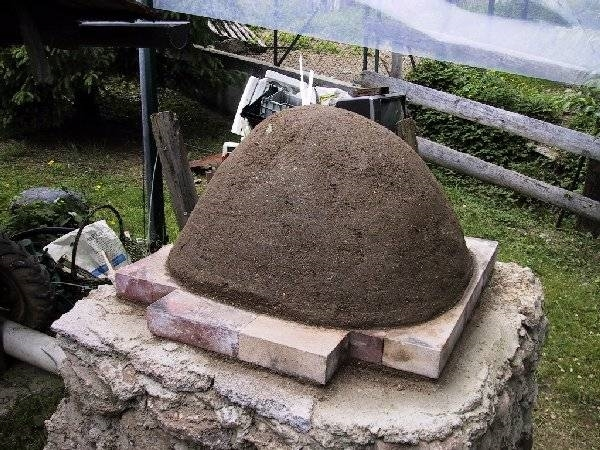 Costruire un forno a legna barbecue come realizzare un - Forno di terracotta ...