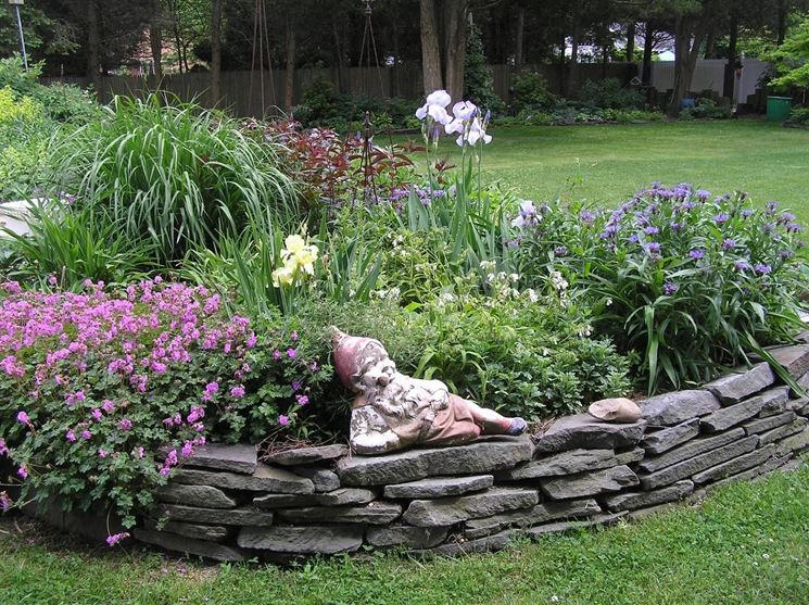 aiuole giardino fioriere
