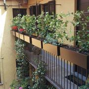 Fioriere da terrazzo fioriere for Portavasi da balcone regolabili
