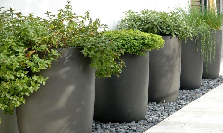 Fioriere in resina fioriere tipi di fioriere in resina for Vasi da giardino ikea