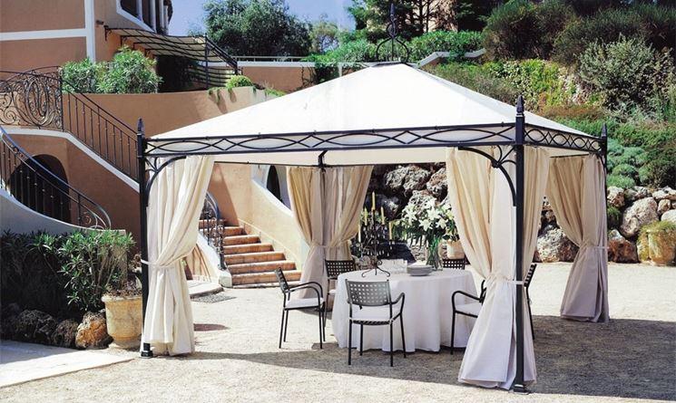 Gazebi in ferro gazebo for Arredo giardino in ferro