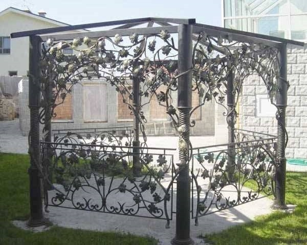 Gazebo in metallo gazebo for Arredo giardino in metallo