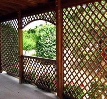 Griglie per terrazzi grigliati e frangivento gliglie per il terrazzo - Grigliati in legno ikea ...