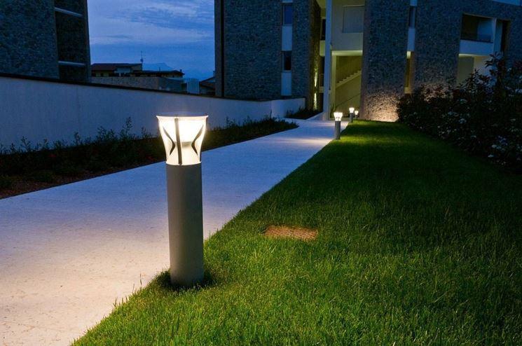 Lampade da giardino illuminazione giardino lampade da for Illuminazione da giardino a led