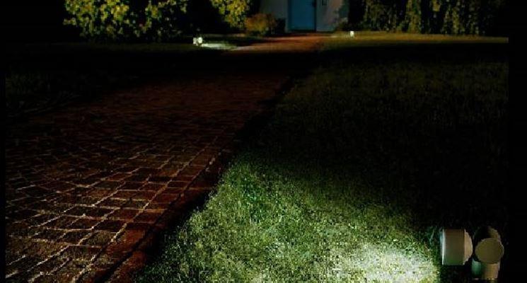Luci da giardino illuminazione giardino luci da - Luci per giardino ...