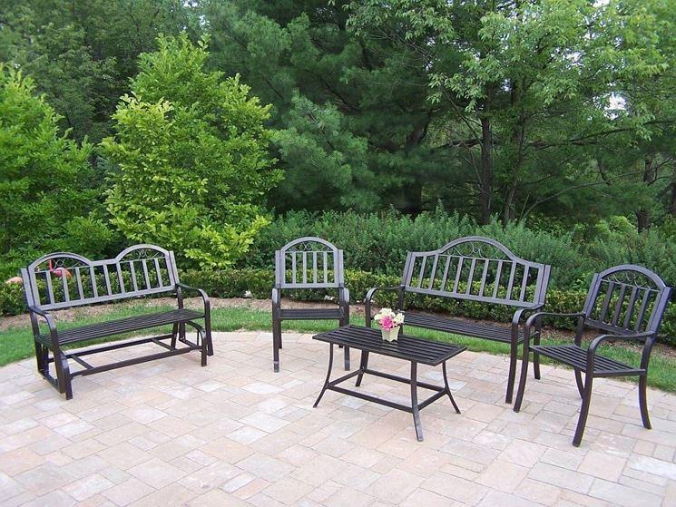 Arredamenti per giardino mobili da giardino - Set da giardino ferro battuto ...