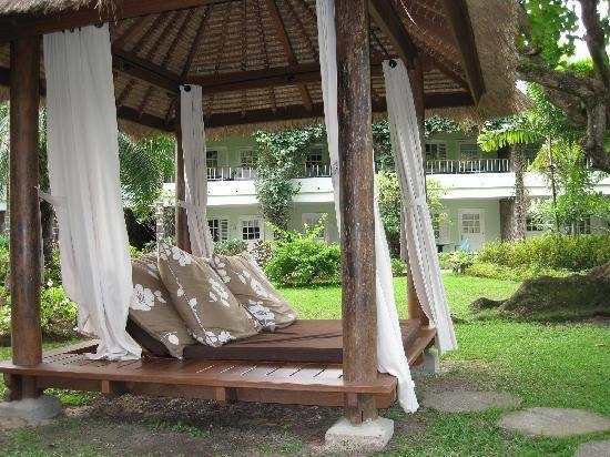 Arredi giardino mobili da giardino for Giardini arredati