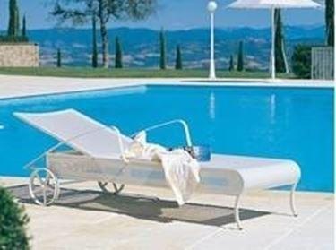 sdraio per piscina