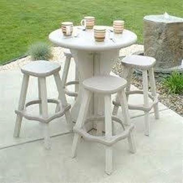 Tavolo in plastica da giardino
