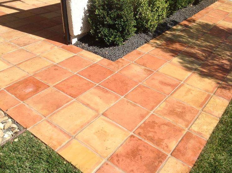 Mattonelle antiscivolo pavimenti per esterni caratteristiche delle mattonelle antiscivolo - Piastrelle klinker per esterni ...