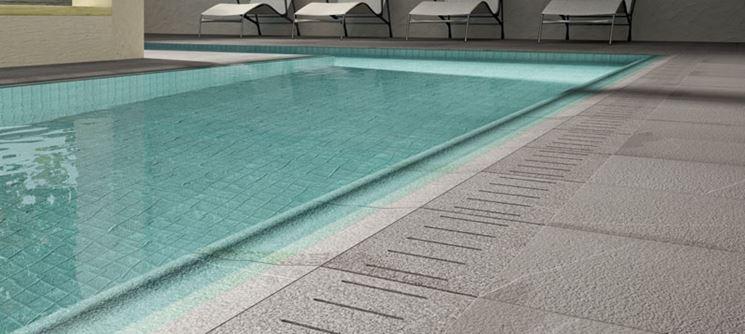 Mattonelle per piscine pavimenti per esterni for Piastrelle per interno piscina