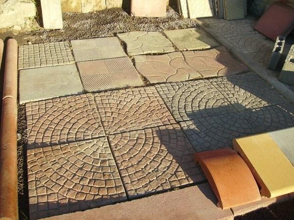 Pavimento in cemento per giardino - Pavimento per giardino ...