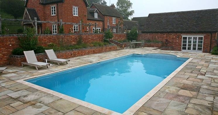 Pavimentazioni per bordi piscina