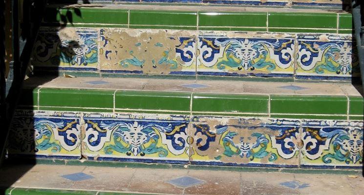 Piastrelle per gradini pavimenti per esterni scegliere for Mattonelle per scale interne