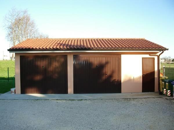 Box auto prefabbricati pergole tettoie giardino box for 2 box auto con officina e soppalco