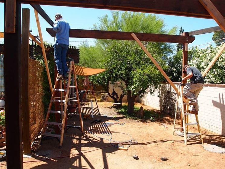 Costruire un pergolato pergole tettoie giardino for Costruire un gazebo in ferro
