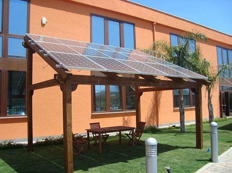 Tettoia fotovoltaica in legno