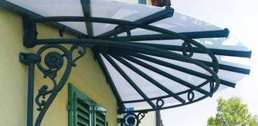tettoia in ferro battuto per esterno