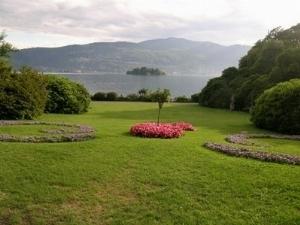 Progettazione giardino all 39 inglese progettazione for Sistemazione giardino