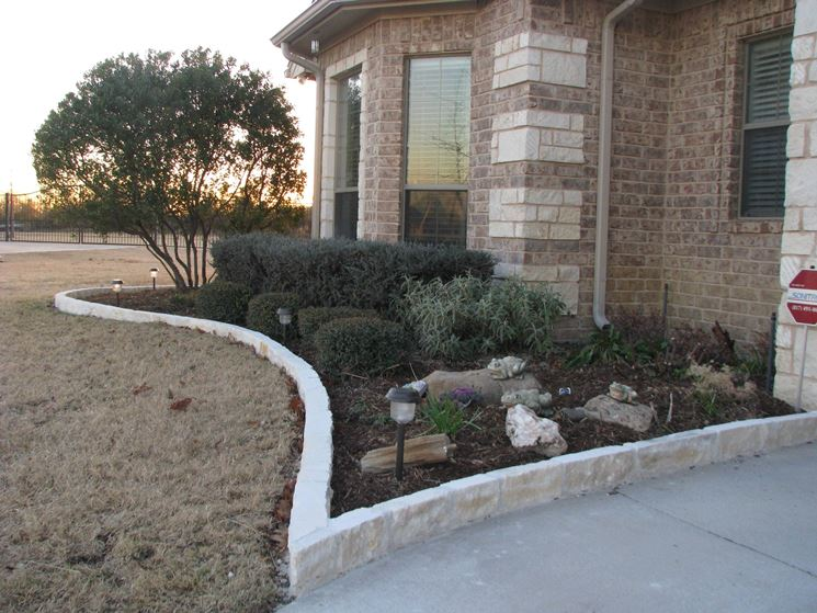 aiuole in pietra - Progettazione Giardino