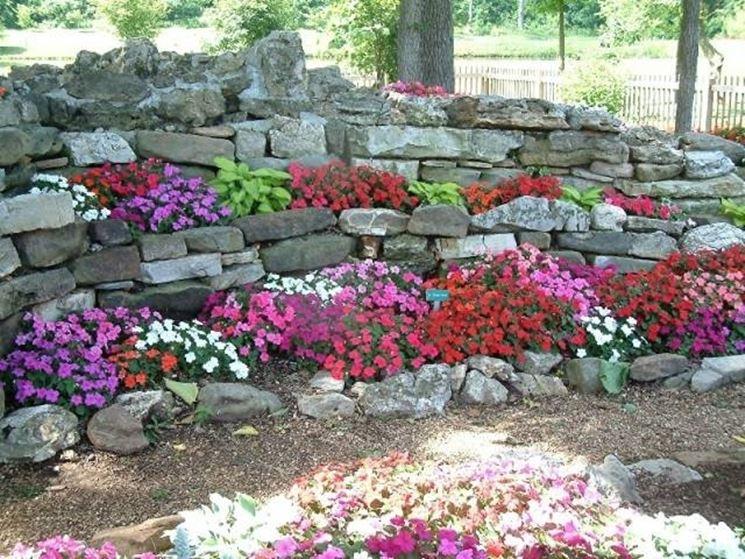 Pietre Da Giardino Per Aiuole : Progettazione giardino pietre per il giardino