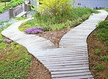 camminamenti e pavimentazioni in legno