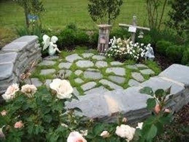 Pietre per giardino progettazione giardino for Pietre bianche da giardino costo