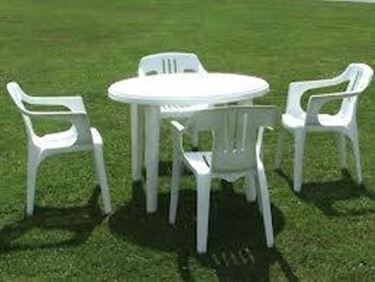 Sedie da giardino in plastica tavoli e sedie for Mesas y sillas de jardin baratas