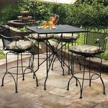 tavolo ferro battuto giardino
