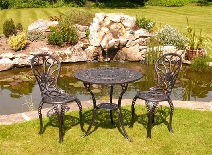 Tavoli da giardino in ferro battuto tavoli e sedie - Tavolo ferro battuto e vetro ...