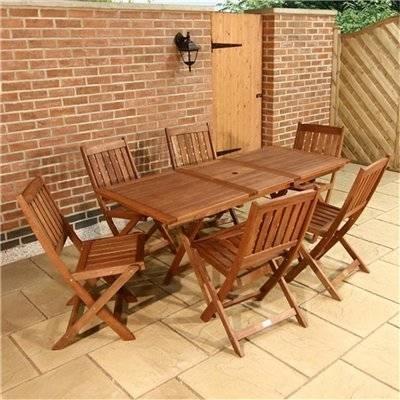 Tavoli da giardino pieghevoli tavoli e sedie for Tavoli da giardino in legno rustici