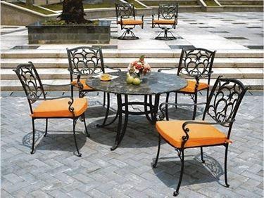 tavolo esterno in ferro battuto