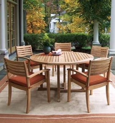 Tavolo da esterno tavoli e sedie for Tavolo da giardino usato