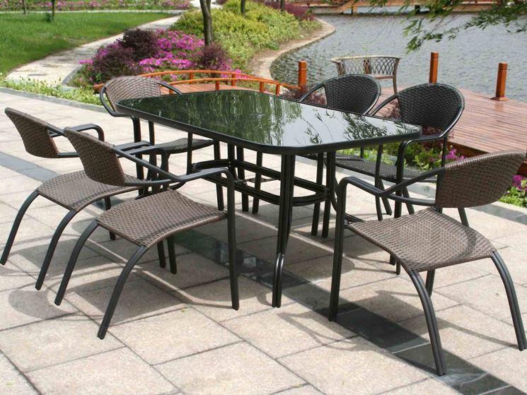Tavolo da esterno tavoli e sedie for Tavolo sedie esterno