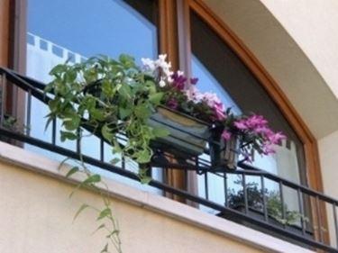 Fioriere balcone fioriere fioriere balcone vasi fioriere for Portavasi balcone