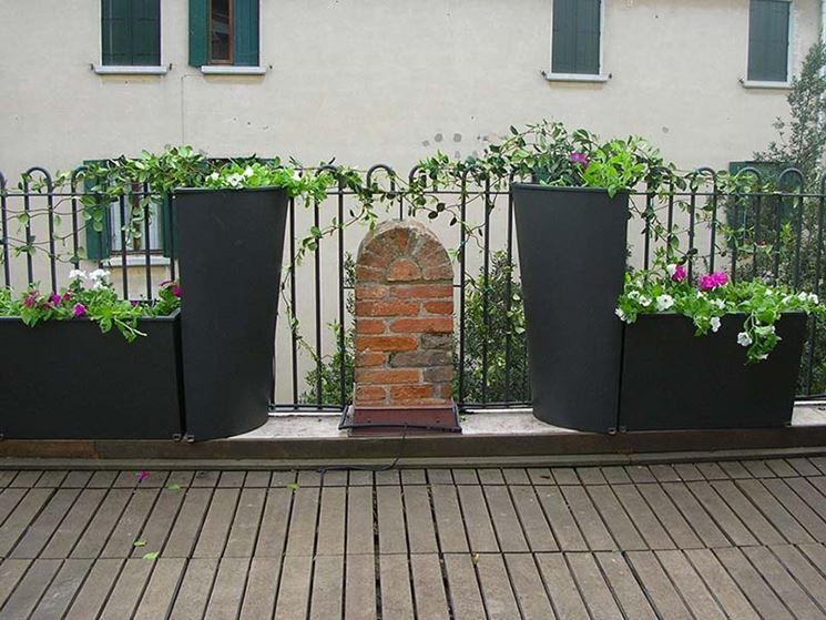 Fioriere ferro battuto fioriere fioriere ferro battuto for Decorazioni in ferro per giardino