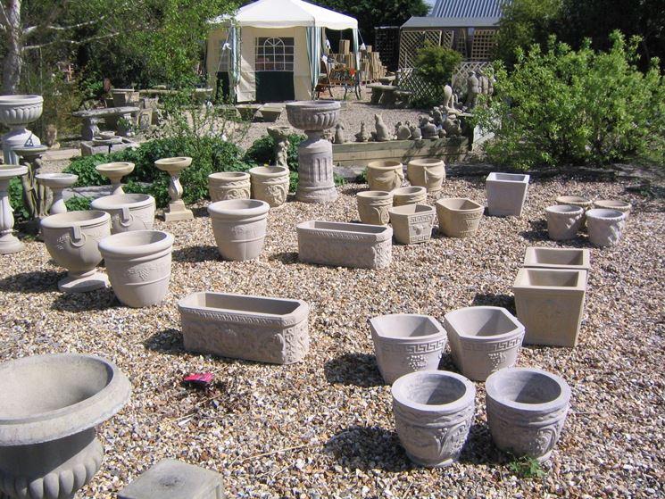 Vasi per piante da esterno idee per il design della casa for Piante per ingresso esterno