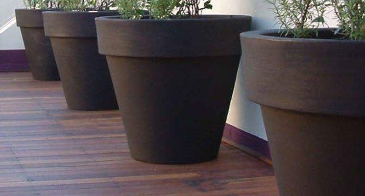 Vasi arredamento moderno trendy vaso design moderno for Vasi arredo interni