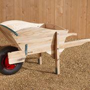 Carriola in legno moderna