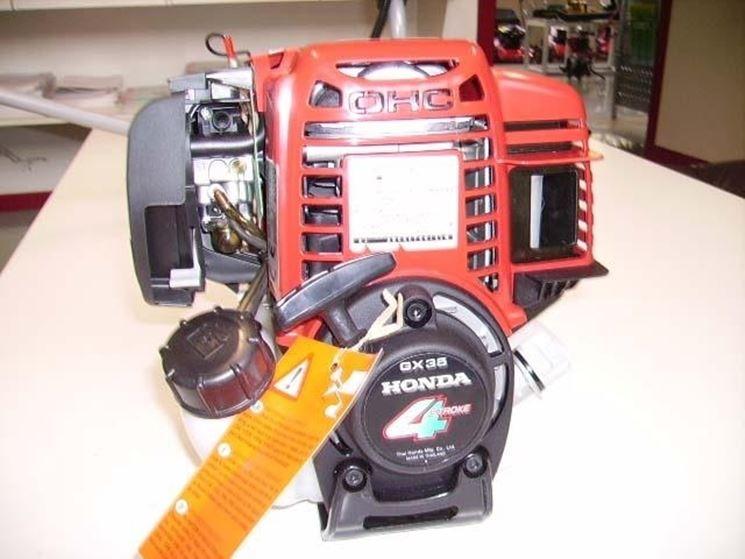 Decespugliatore con motore Honda GX35