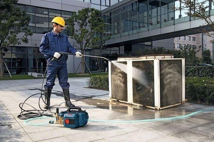 Le idropulitrici Bosch rimuovono anche lo sporco pi� ostinato