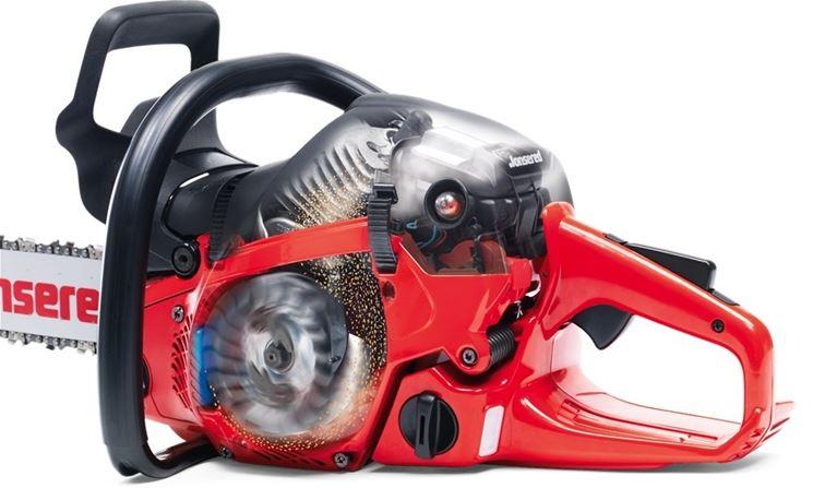 Veduta del motore di una motosega Jonsered