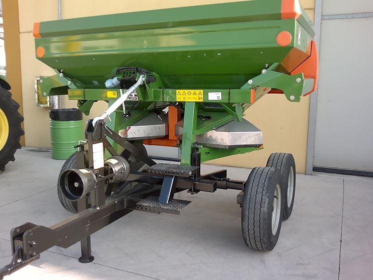 esempio di macchinario con carrello Kuhn