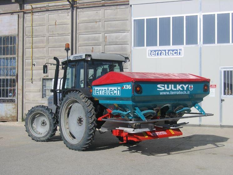 Lo spandiconcime Sulky è adatto per tanti tipi di trattori