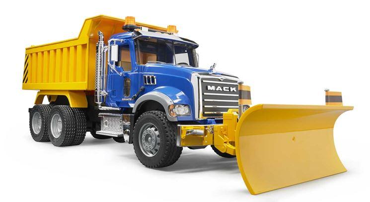 Lama spazzaneve montata su camion